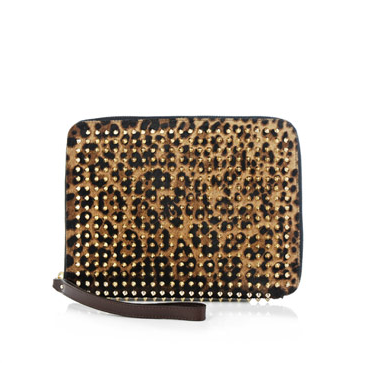 style by yellow button, leopard print, animal print, clutch, trend, christian louboutin, louboutin, matchesfashion, shopit, how to wear, where to buy