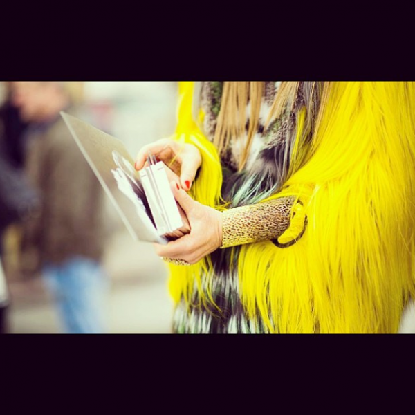 style by yellow button, sbyb, claire fabb, style, fashion, instagram, this week, anna dello russo, yellow monday, streetstyle, fashion week,