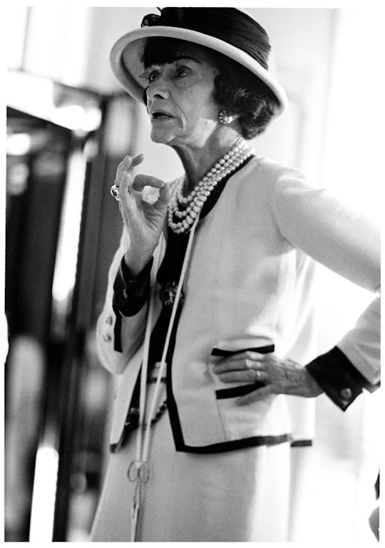 Coco-Chanel-apt-bio24164