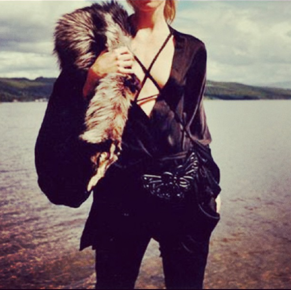 style by yellow button, instagram, style, yellow, claire fabb, fashion, womens fashion, leather, fur, summer, beach, davy crockett