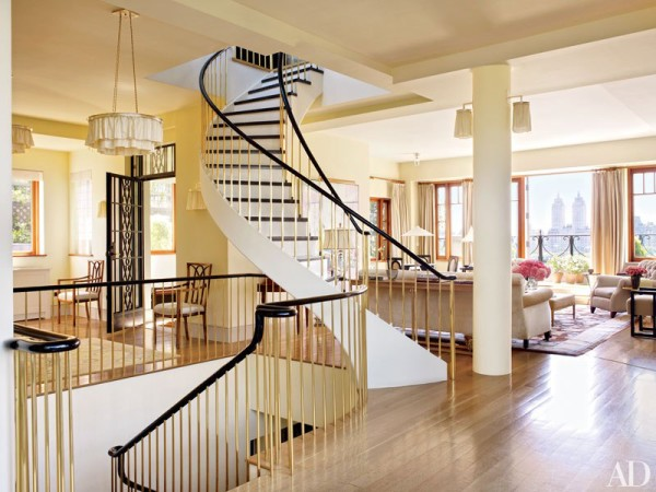 item6.rendition.slideshowVertical.bette-midler-manhattan-penthouse-04-stairwell