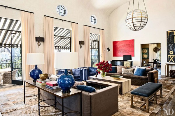 item2.rendition.slideshowHorizontal.ellen-pompeo-los-angeles-03-living-room-after