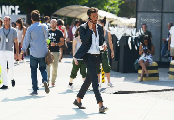 tommy-ton-street-style-pitti-uomo-suit-sockless-italian-men
