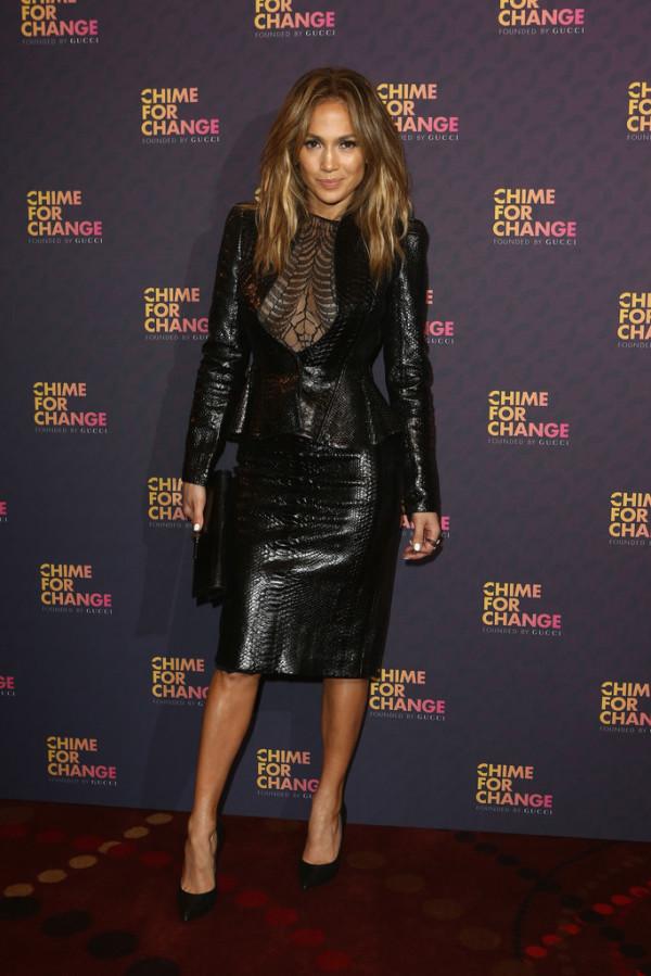 Jennifer+Lopez+Suits+Skirt+Suit+U2BUaexVS-wx