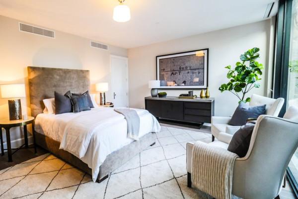 john-krasinski-and-emily-blunt-west-hollywood-home-for-sale-1-8-16-bedroom-3