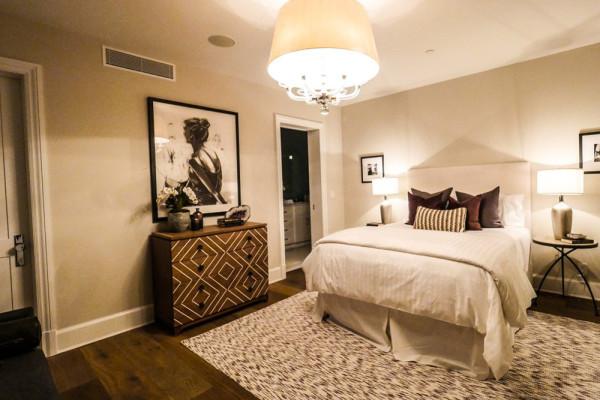 john-krasinski-and-emily-blunt-west-hollywood-home-for-sale-1-8-16-bedroom