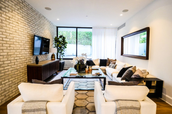 john-krasinski-and-emily-blunt-west-hollywood-home-for-sale-1-8-16-bedroom-family-room-3