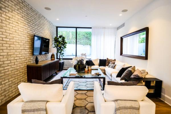 john-krasinski-and-emily-blunt-west-hollywood-home-for-sale-1-8-16-bedroom-family-room-3