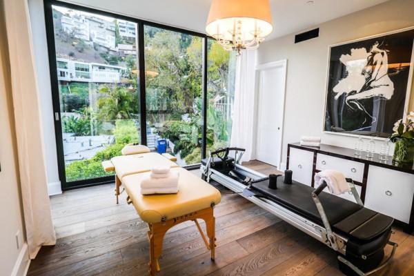 john-krasinski-and-emily-blunt-west-hollywood-home-for-sale-1-8-16-master-gym