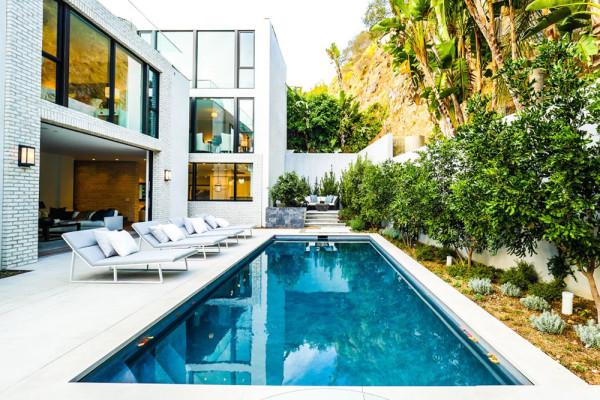 john-krasinski-and-emily-blunt-west-hollywood-home-for-sale-1-8-16-pool-1