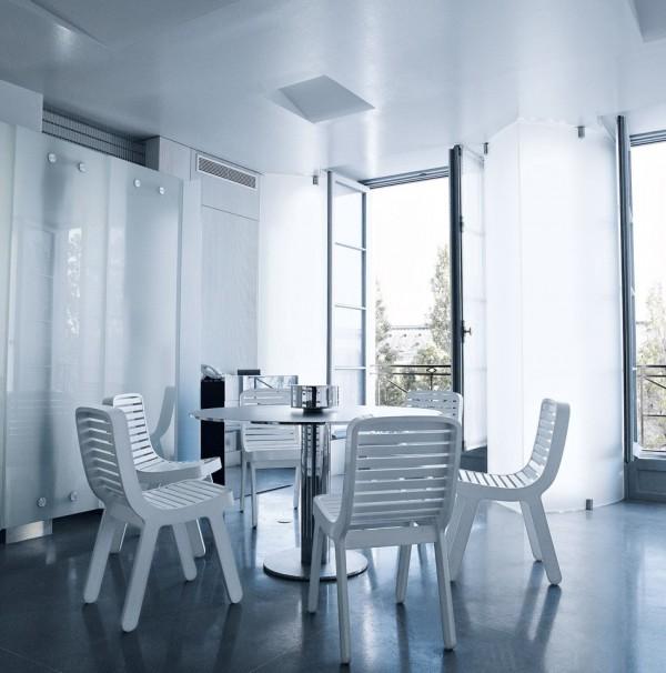 karl-lagerfeld-parisian-apartment-1-600x606