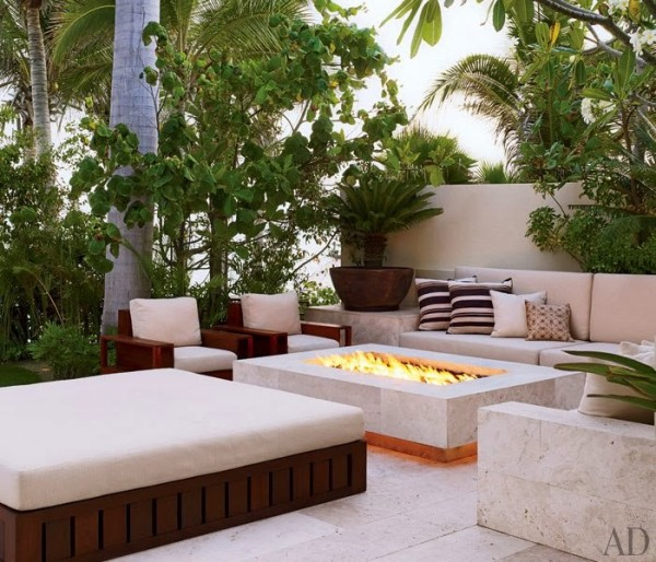 Cindy Crawford & Rande Gerber & Neighbour George Clooney's ... on For Living Lawrence Fire Pit id=31293