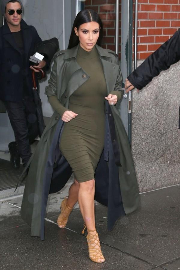 Kim+Kardashian+Outerwear+Trenchcoat+xq07gQ__1J7x