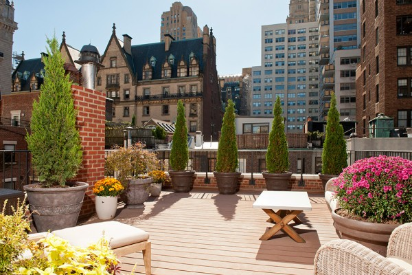 Anne-Hathaway-New-York-City-Condo-Patio-2